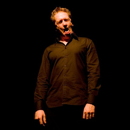 Théâtre du 2.21, le 5 mars 2011